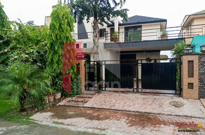 10 Marla House for Sale in Block R, Khayaban-e-Amin, Lahore